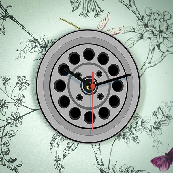 Atwe 4 stud wheel clock